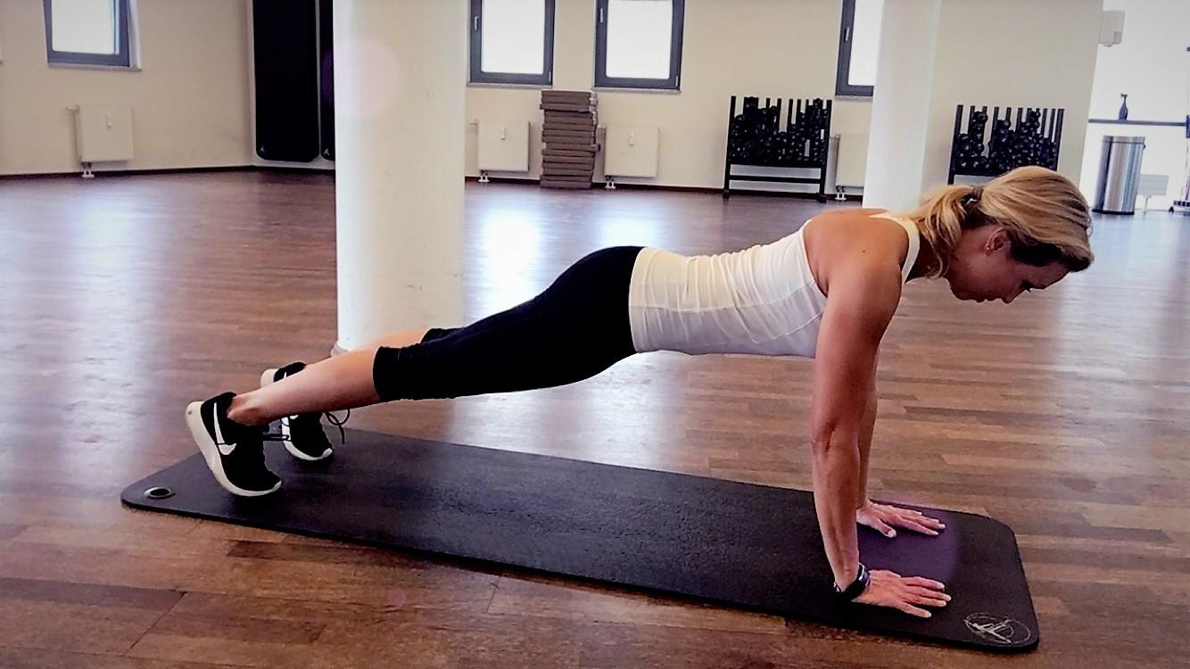 Klassische Plank Position Hannah Fühler