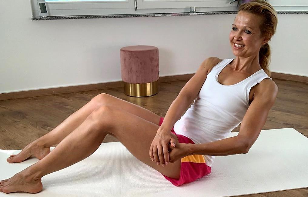 Top Übungen für einen schönen, straffen Bauch - Übung 5 Russian Twist