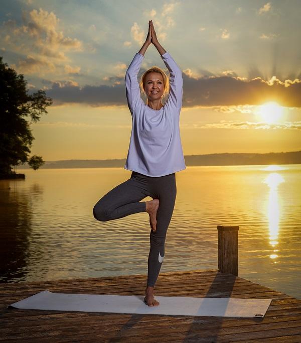 Yoga für die Frau Ü40 - Der Baum