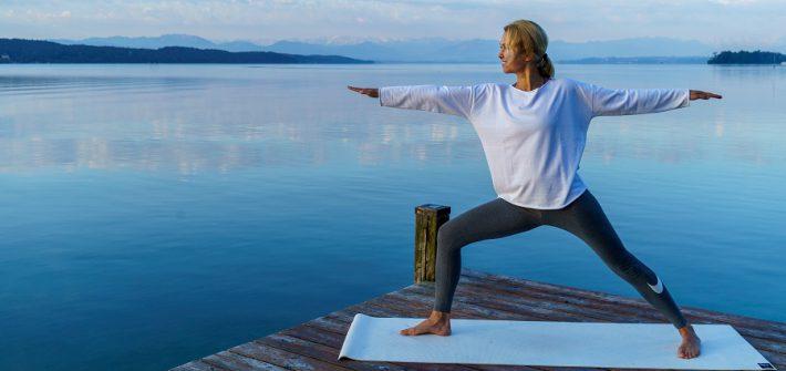 Yoga für die Frau Ü40 - Krieger 2